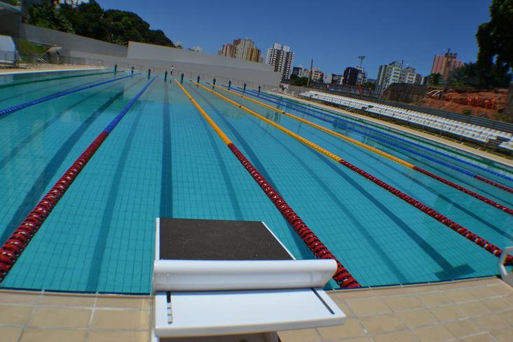 Imagem da piscina olímpica da Bahia, situada na Av. Bonocô