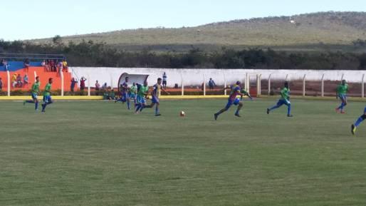 Sudesb entrega Estádio Municipal de Licínio de Almeida recuperado