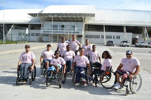Equipe masculina de basquete em cadeira de rodas