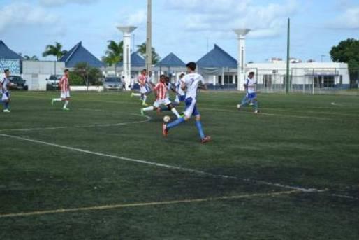 11 jogos, com 33 gols marcados, esse foi o saldo da quarta rodada da 5� edi��o da Copa Metropolitana de Futebol sub-15.